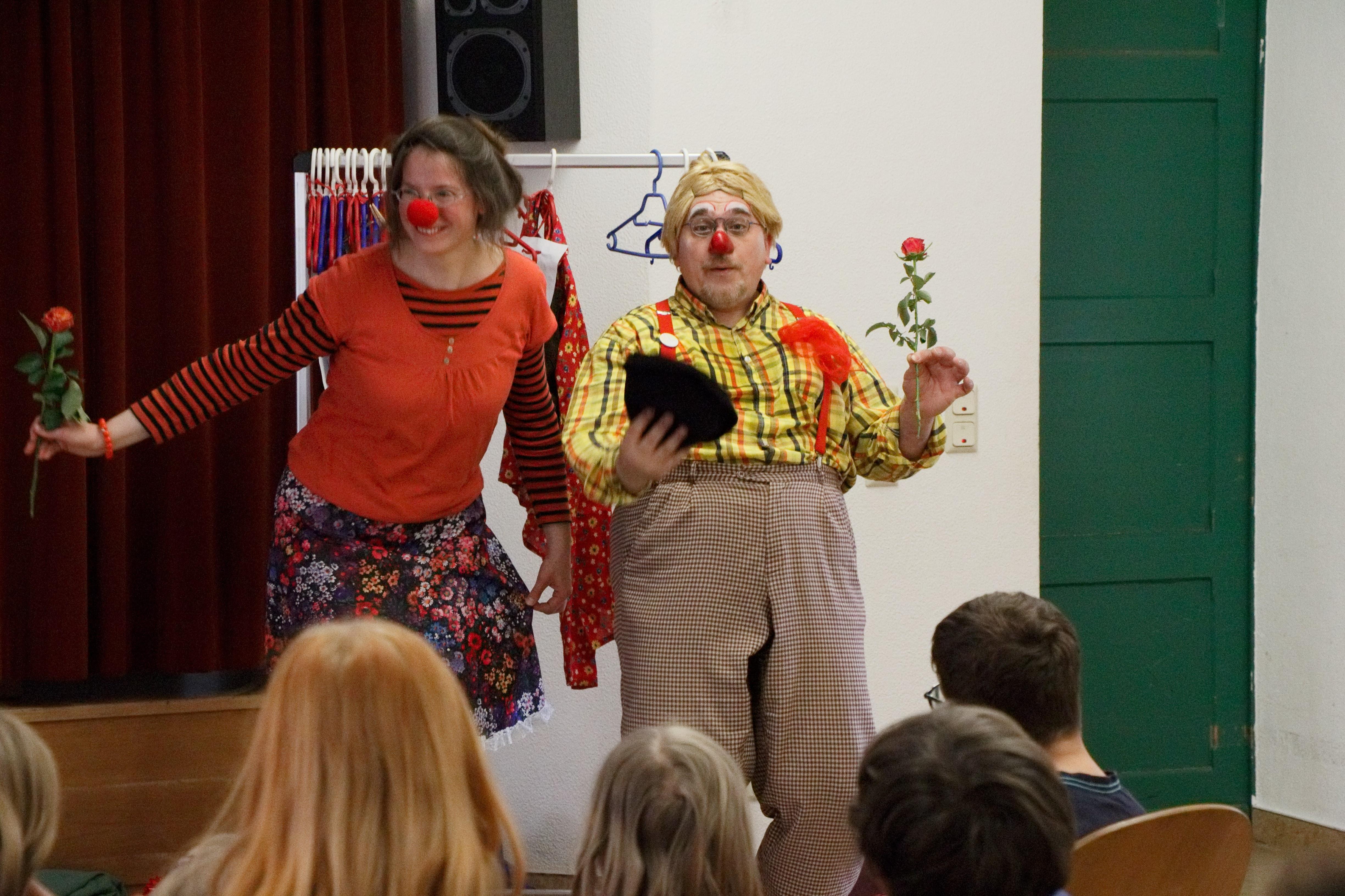 Kiki Kokolores Und Clown Tomtom