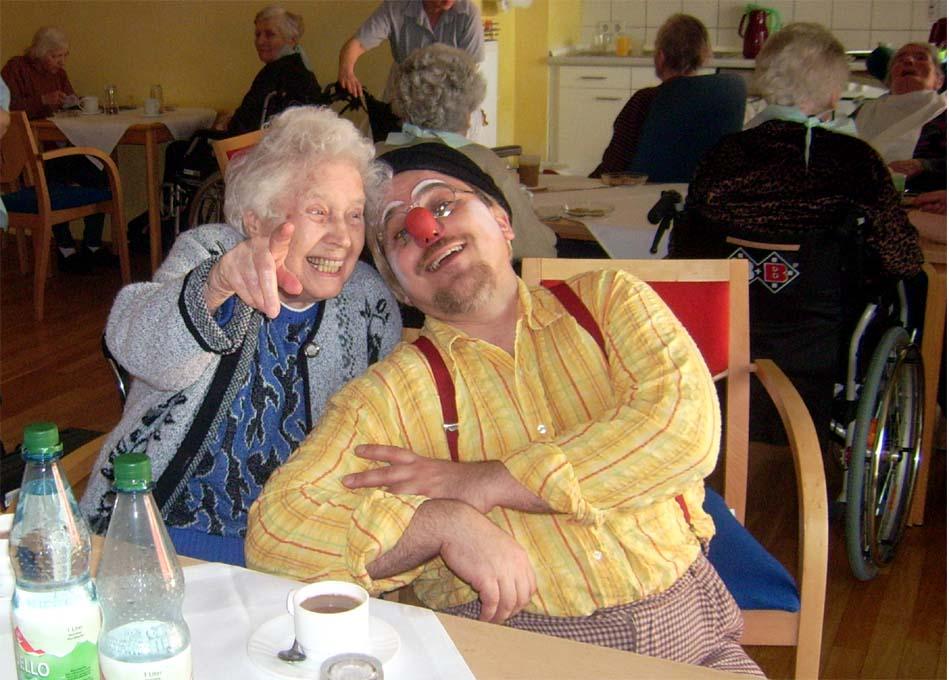 Clown Tomtom macht Besuche